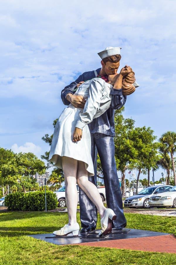 Unbedingte Auslieferung der Statue durch Seward Johnson lizenzfreie stockfotos