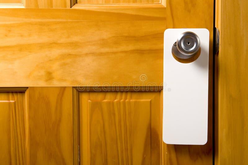 Unbelegte Tür-Aufhängung lizenzfreie stockfotos
