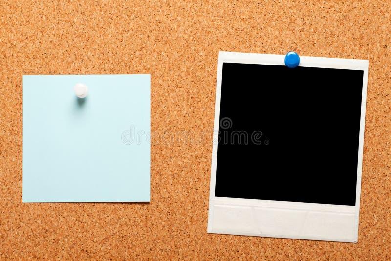 Unbelegtes sofortiges Foto und Anmerkungspapier stockfotos