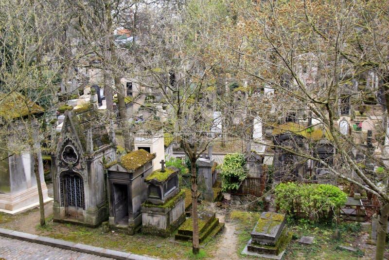 Unbelieveable plats som förbiser berömda Pere Lachaise Cemetery, Paris, Frankrike, 2016 fotografering för bildbyråer