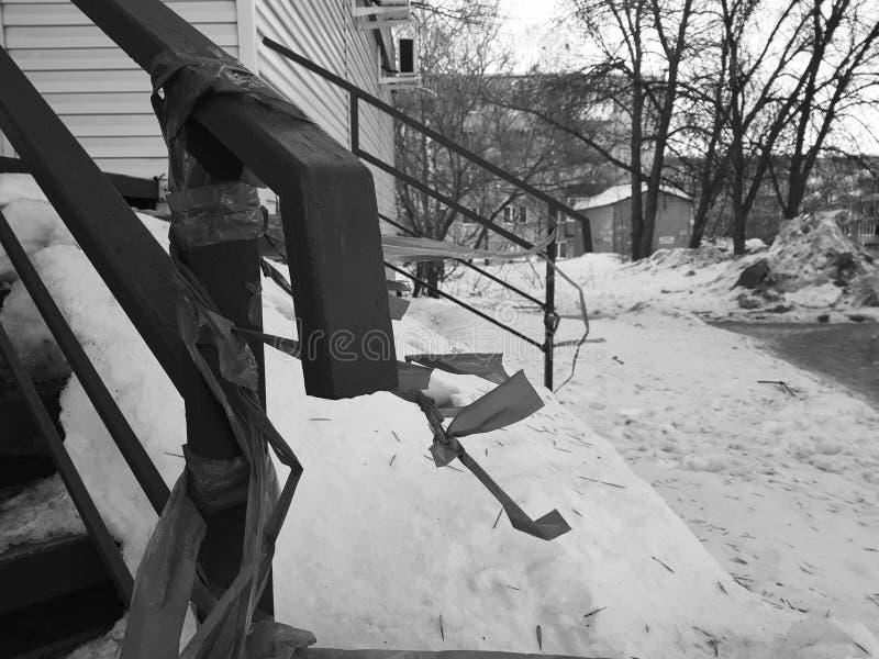 Uncleaned schodki w śniegu fotografia stock