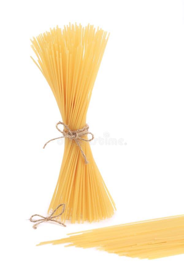 Uncooked итальянские макаронные изделия стоковая фотография rf