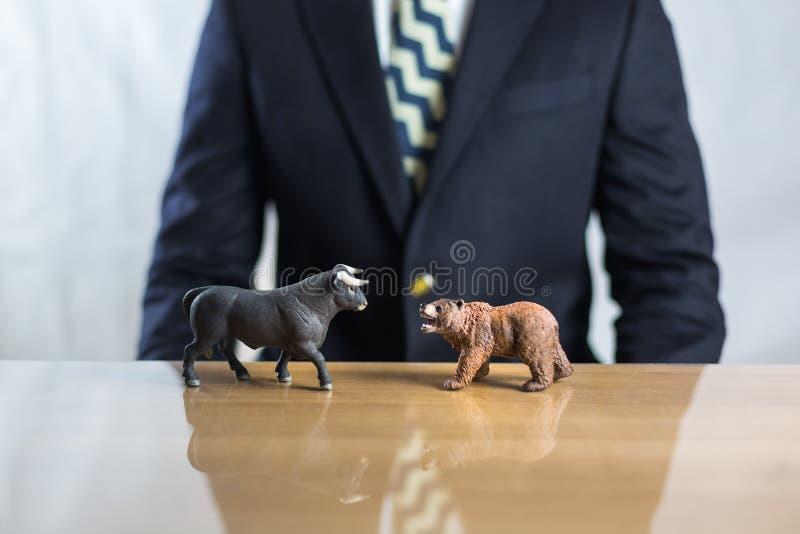 - und Bulle und B?r-B?rsenkonzept lizenzfreies stockbild