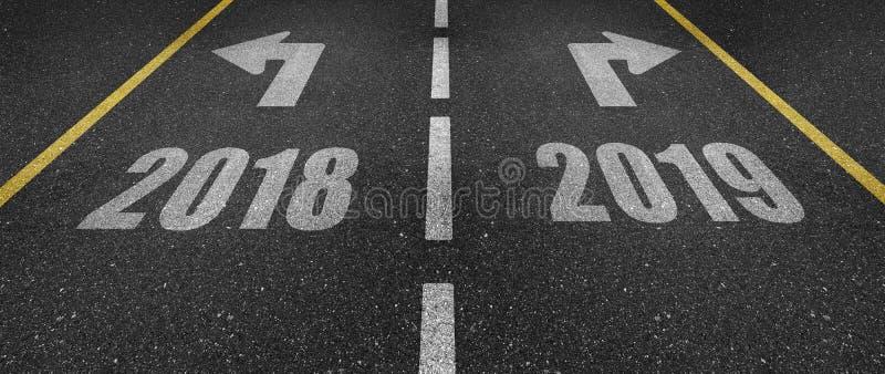 2018 und 2019 Fahrbahnmarkierungen lizenzfreie stockfotos