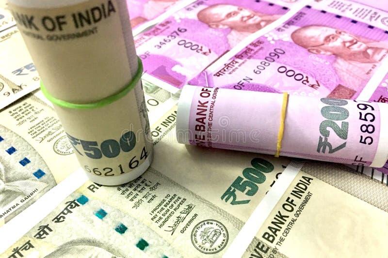 500 und 2000 Rupie Inderbanknoten stockbilder
