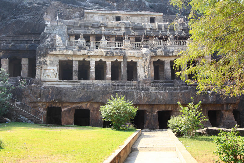 Undavalli grottor arkivbilder