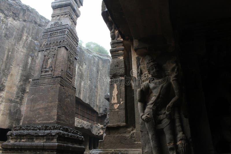 Under av Kailasa av Ellora grottor, vagga-snittet monolitisk t arkivfoton
