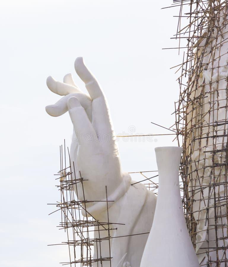 Under den konstruktionsGuan Yin (Pusa) statyn arkivfoto