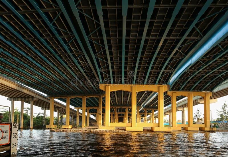Under Iet planskild korsning 95 i Fort Lauderdale arkivbild