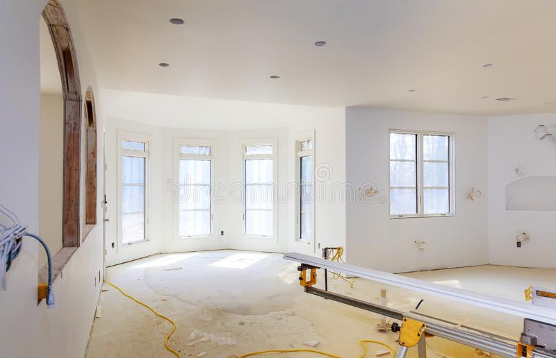 Under konstruktion, att omdana och renovering från rum arkivbilder