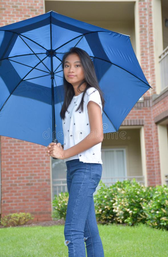 Under paraplyet royaltyfri foto