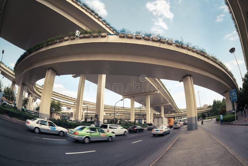 Under viaducten arkivbild