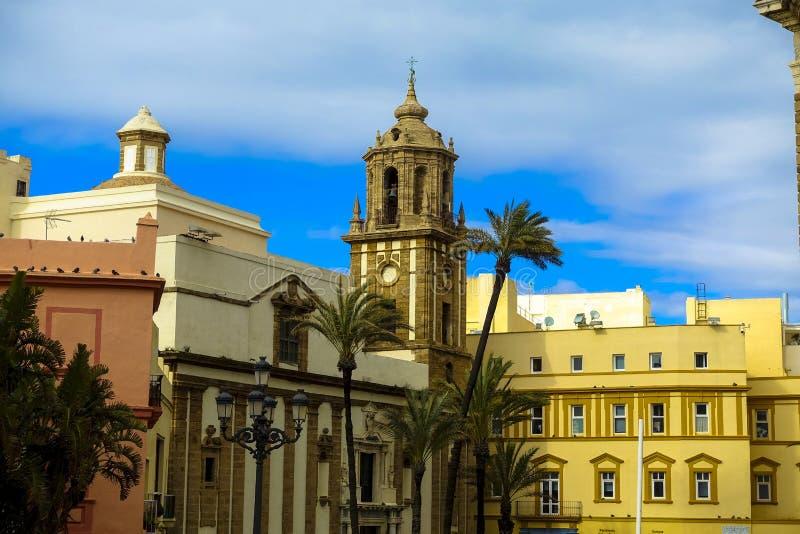 Underbar kyrka av Cadiz, Andalusia i Spanien Campo del Sur med feriekänsla arkivbild