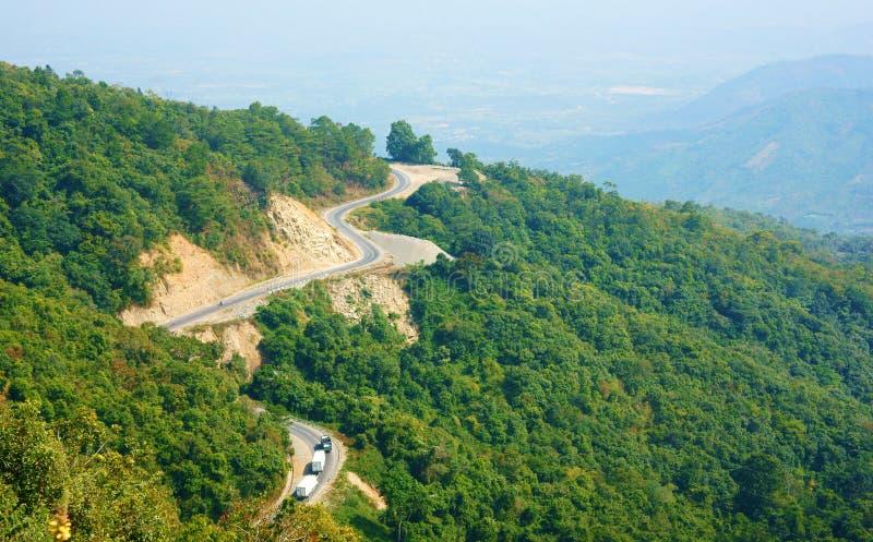 Underbar plats, Ngoan Muc bergpasserande fotografering för bildbyråer