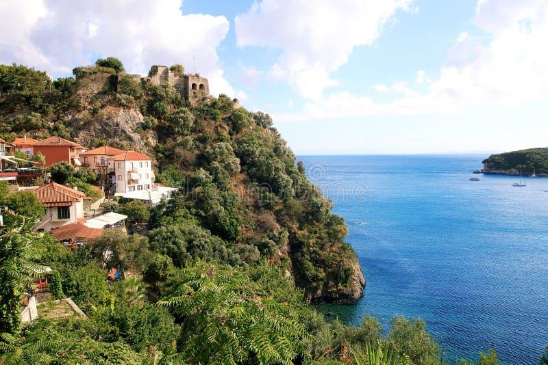 Underbar sikt av den historiska fästningen och havet fotografering för bildbyråer