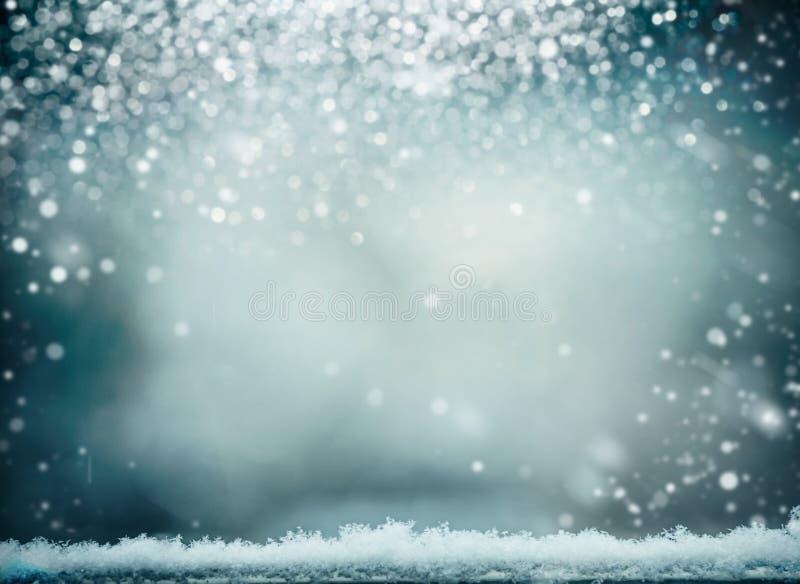 Underbar vinterbakgrund med snö Vinterferier och jul arkivbild