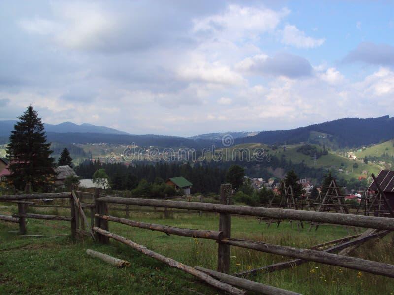 Underbara landskap av de östliga Carpathiansna royaltyfri fotografi