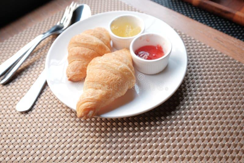 Underbart m?l f?r morgonfrukostupps?ttning arkivfoton