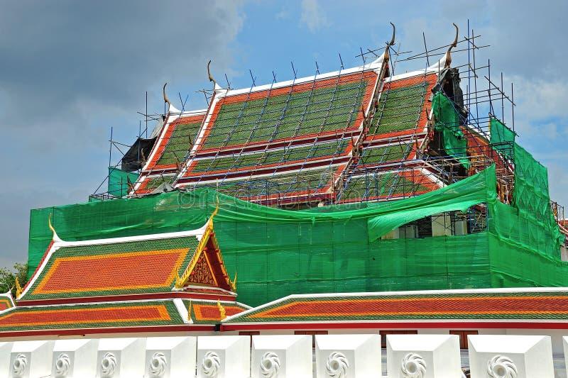 Underconstruction de Wat Ratchanatdaram Worawihan, Bangkok, Thailan image stock