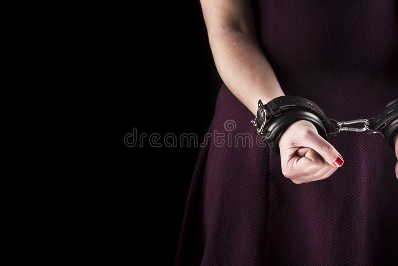 Undergiven kvinna