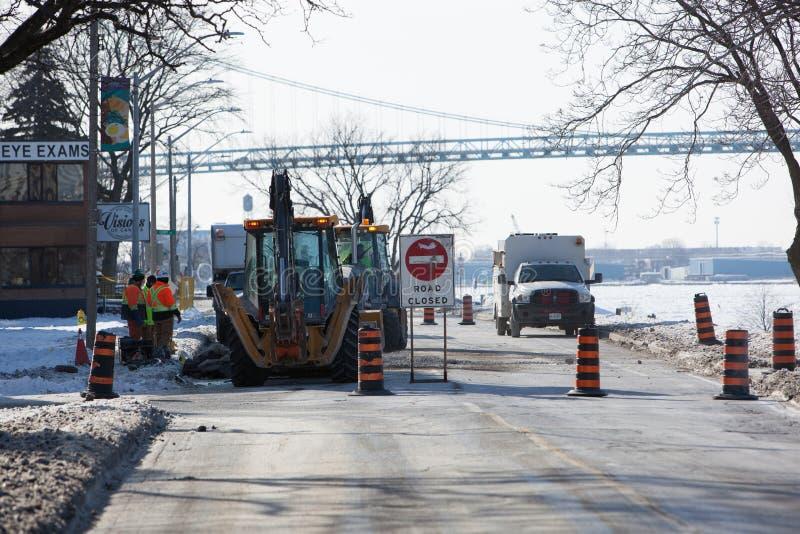 Underhåll för väg Januari 21 2019 Windsor Ontario Canada Road Closed för offentliga arbeten borgerligt royaltyfri foto