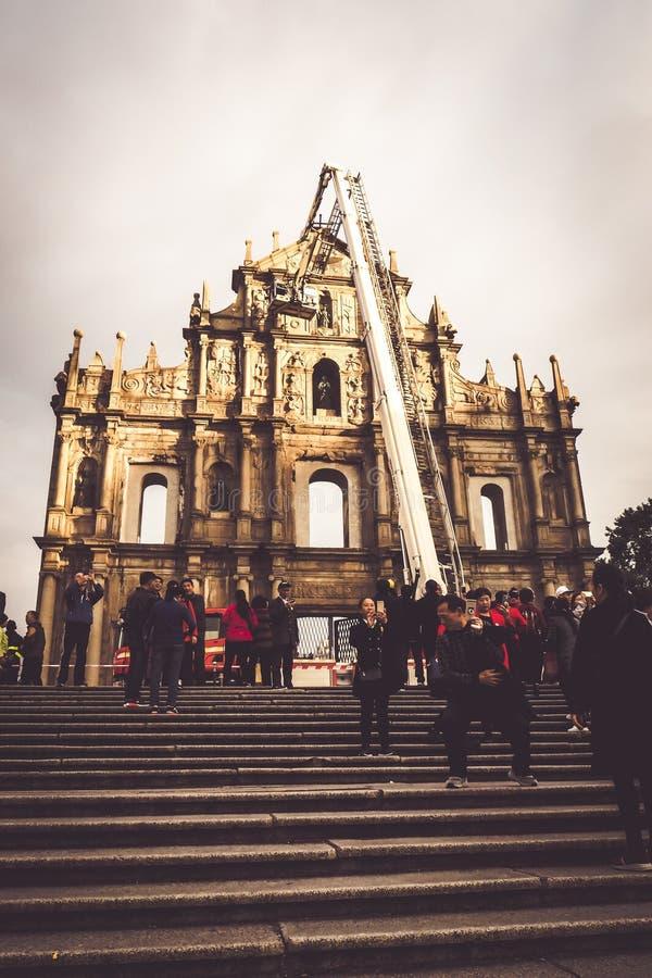 Underhåller under av Ruins av St Paul Macao bästa bekanta gränsmärken Den historiska mitten av Macao, en UNESCOv?rldsarv royaltyfria foton