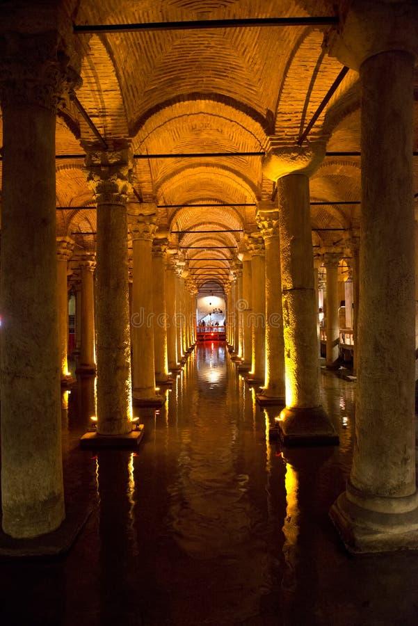 Underjordisk Cistern, lopp till Istanbul, Turkiet royaltyfri fotografi