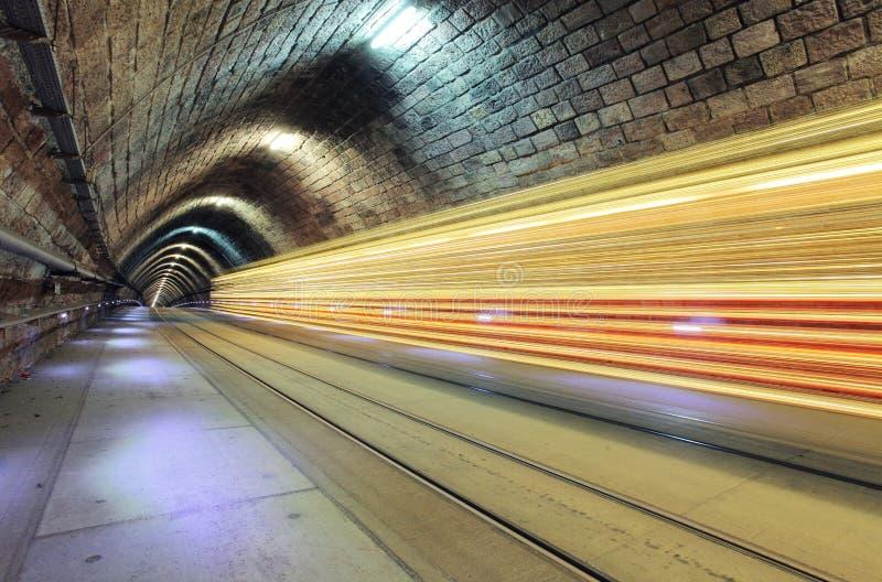 Underjordisk järnväg med flyttningdrevet, transporation royaltyfri fotografi