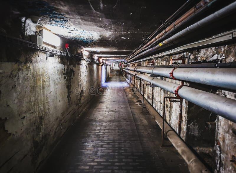 Underjordisk passage för hall för underhållstunnelkorridor arkivfoton
