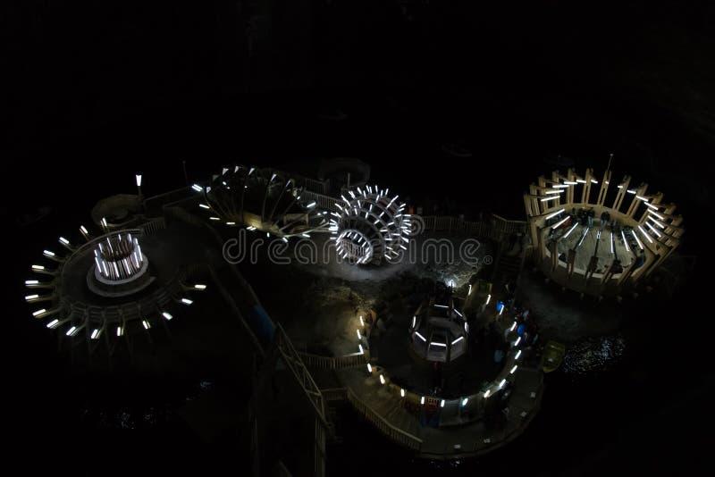 Underjordisk sj? i det Salina Turda f?r salt min museet i Turda royaltyfri bild