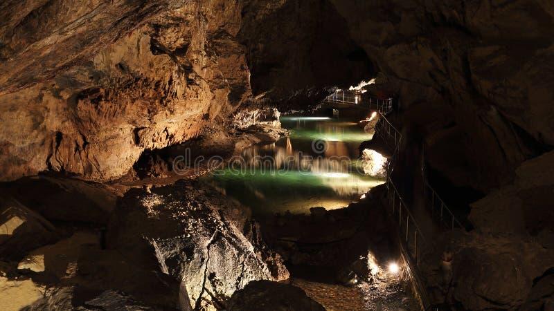 Underjordisk slobody grottavärld av den Demanovska jaskynaen, Slovakien arkivfoton