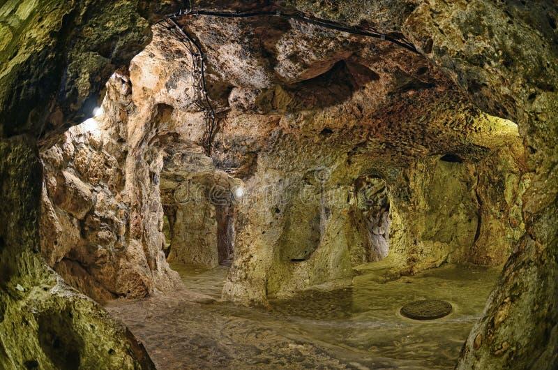 Underjordisk stad för Derinkuyu grotta, Cappadocia arkivfoton