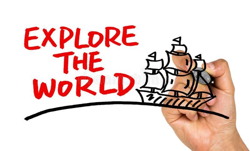 Undersök teckningen för världsbegreppshanden på whiteboard royaltyfri fotografi
