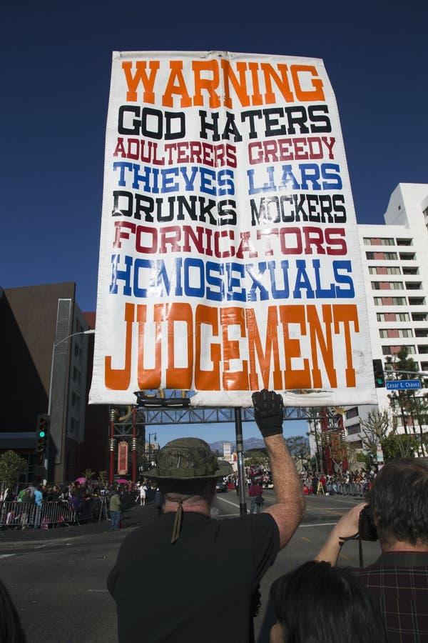 Underteckna för den kristna extremisten, anti--homosexuella personen och ateister, hålltecknet, det kinesiska nya året, Los Angel royaltyfri fotografi