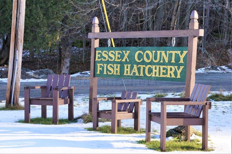 Underteckna sig för Essex County Fish Hatchery i New York fotografering för bildbyråer