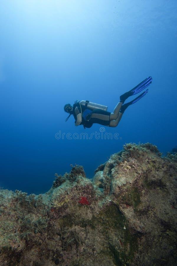undervattens- vatten för djup dykareplatsscuba fotografering för bildbyråer