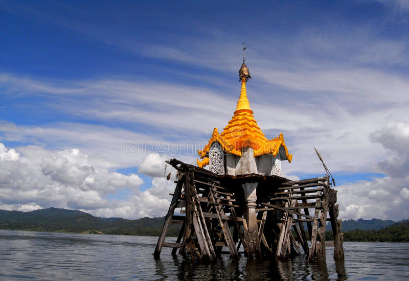Download The Underwater Buddhist Church Editorial Stock Image - Image: 30489024