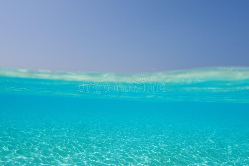 Underwater nos trópicos foto de stock