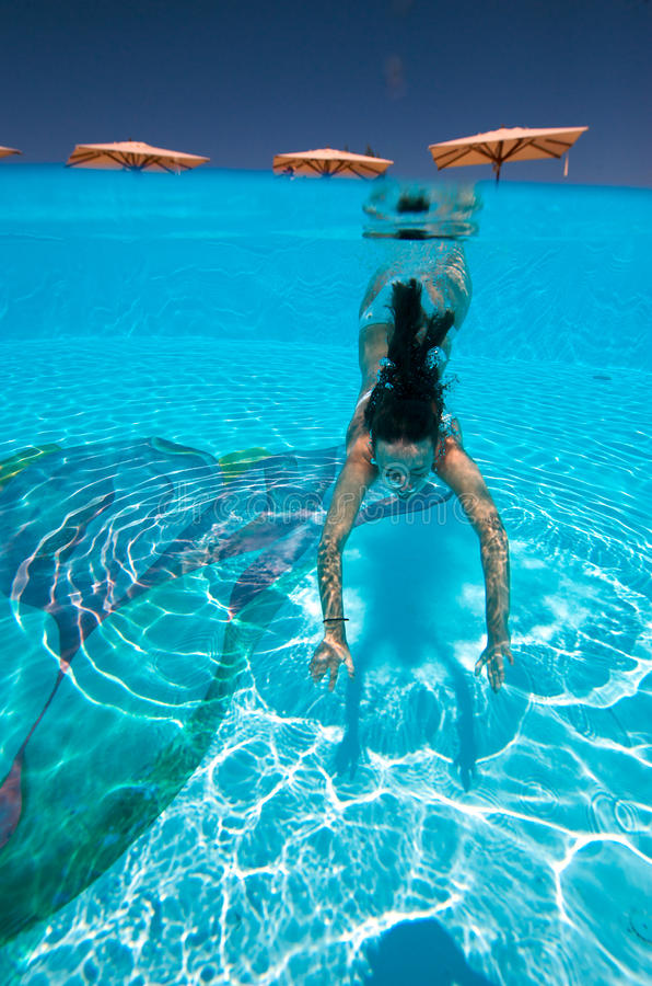 Download Underwater Swim Royalty Free Stock Images - Image: 10662859