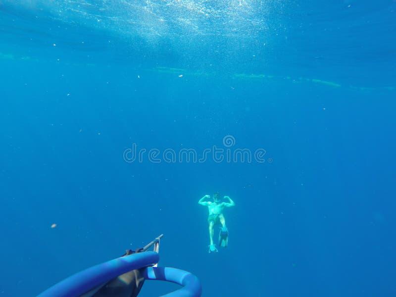 Underwater tauchen lizenzfreies stockfoto