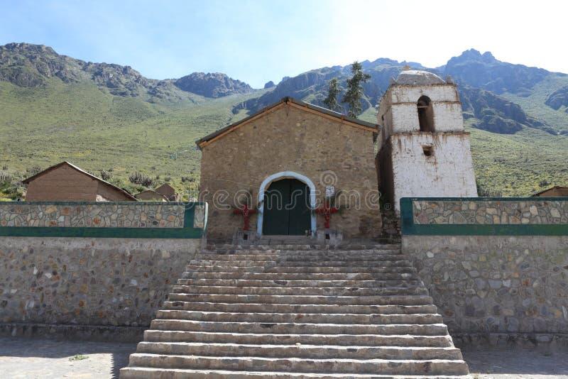 Une église dans le canyon de Colca photo libre de droits