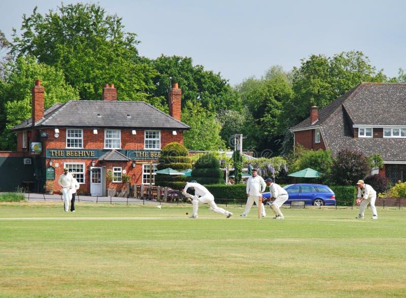 Une allumette anglaise de cricket de village photo libre de droits