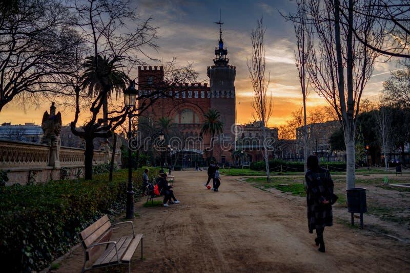 Une balade en parc Barcelone image stock