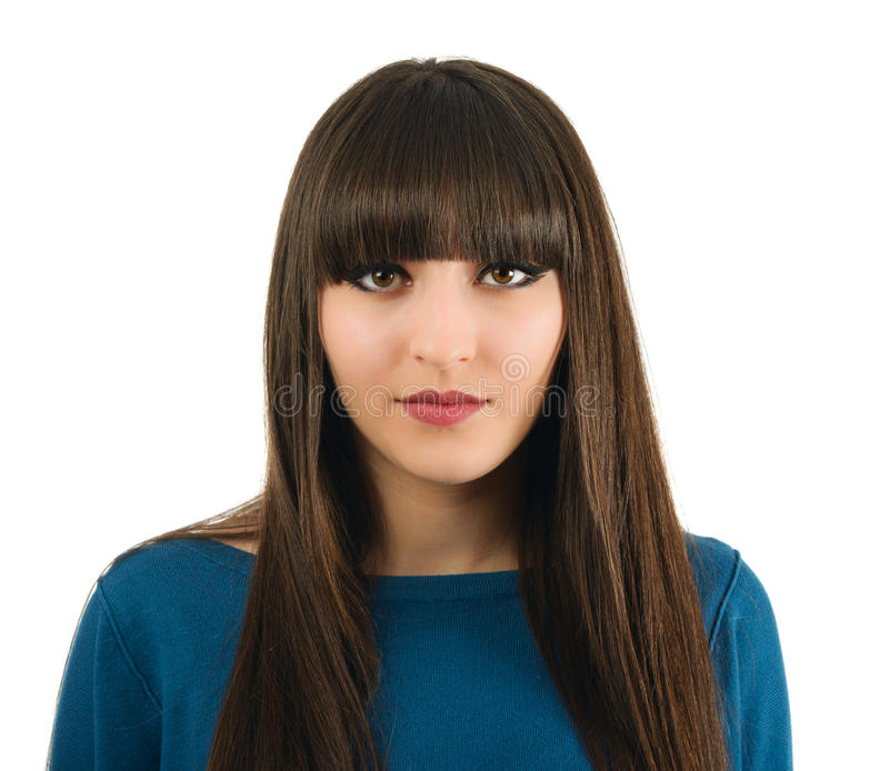 Une belle femme avec de longs cheveux dans le studio d'isolement sur le CCB blanc image libre de droits