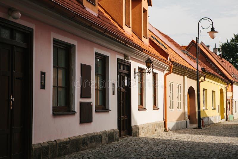Une belle rue dans la ville de Blatna dans la République Tchèque photo libre de droits