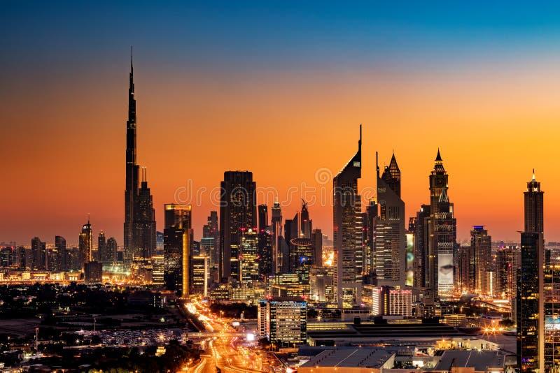 Une belle vue d'horizon de Dubaï, EAU comme vu de la vue de Dubaï au coucher du soleil image stock
