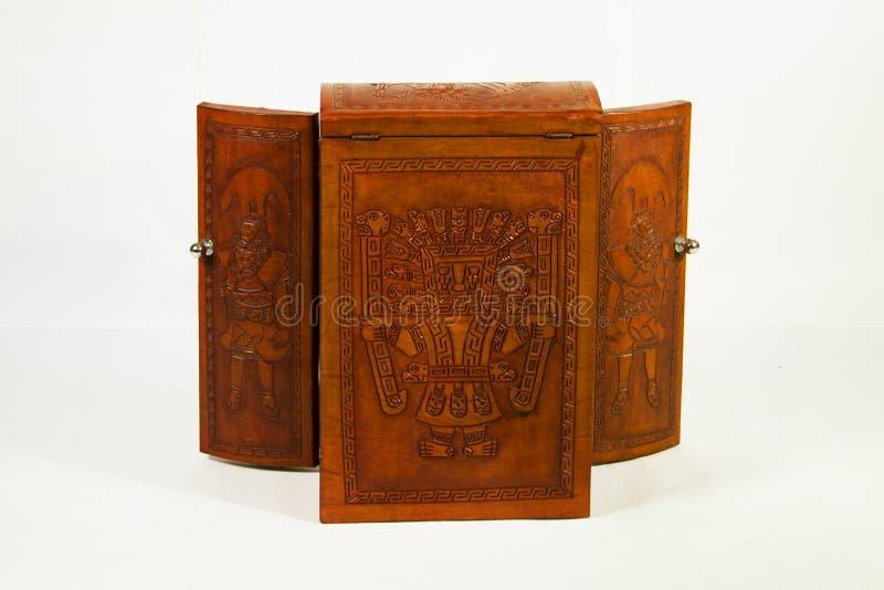 Une boîte intéressante faite de cuir de vache pour augmenter et mettre tout ou sourvenier spécial images stock