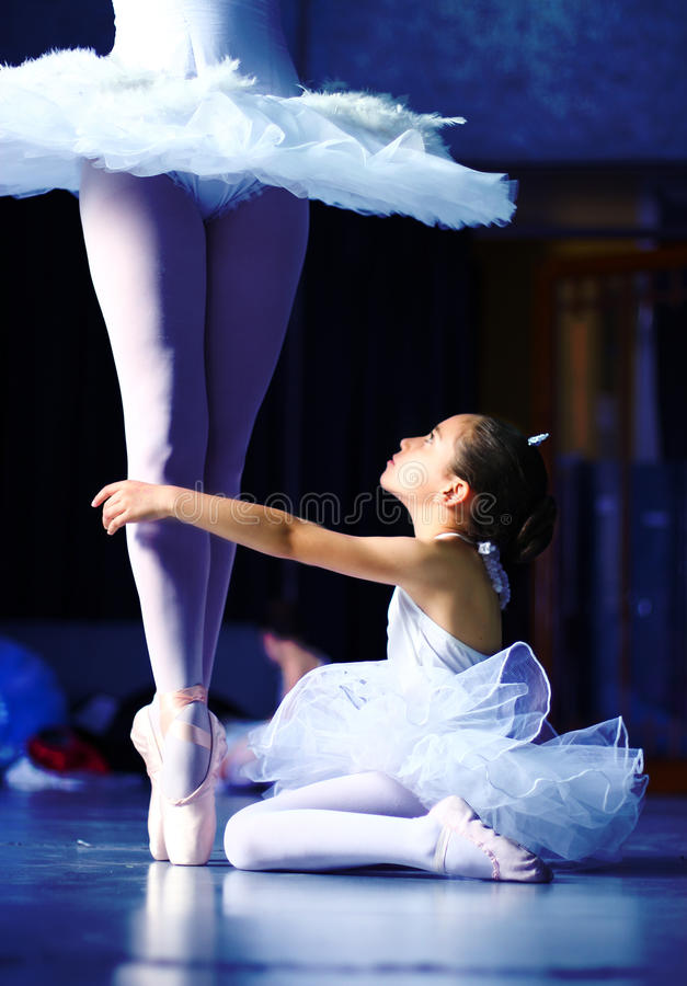Une classe de ballet photos stock