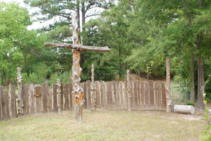 Une croix sur un coin de la rue dans le Texas est photos libres de droits