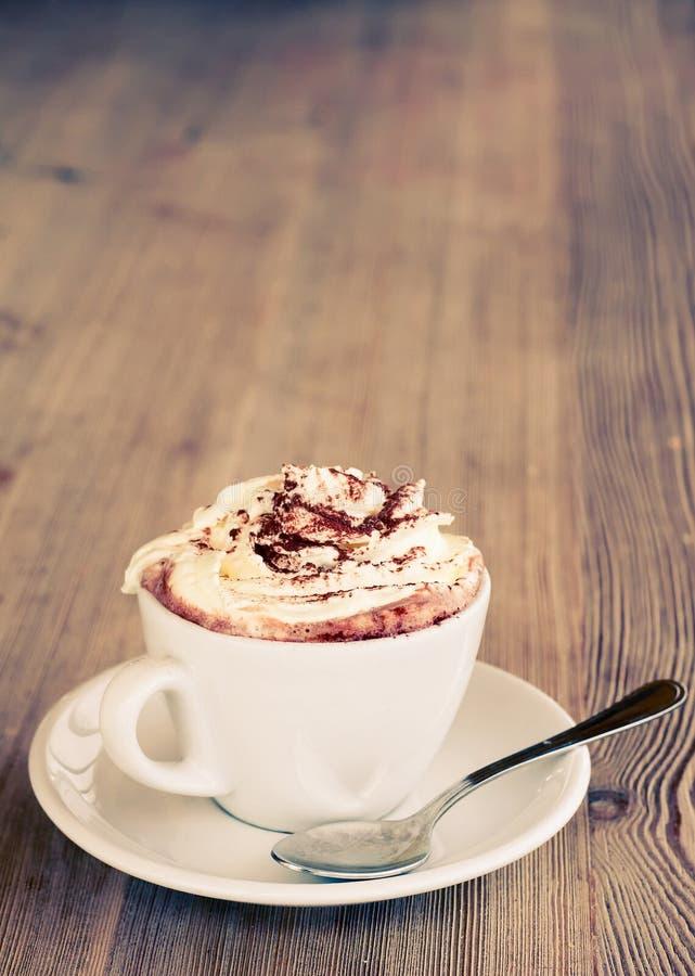 Une cuvette de chocolat chaud photographie stock libre de droits